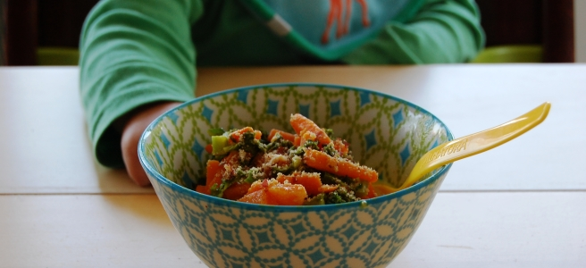 Grünkohlcurry mit Süßkartoffel und Erdnuss
