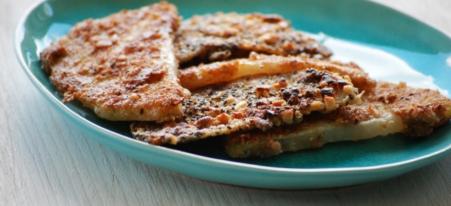 Kohlrabischnitzel mit Chia-Erdnuss Panade und mit Zatar-Panade
